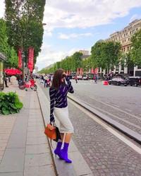 Pedangdut Zaskia Gotik membagikan dalam Instagramnya saat menikmati liburan di Eropa. (zaskia_gotix/Instagram)