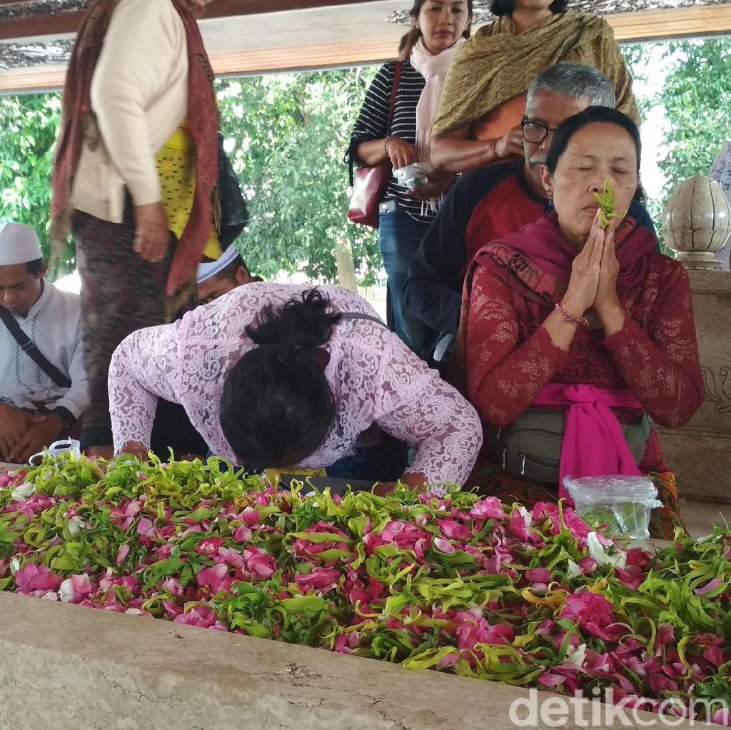 Umat Lintas Agama Berdoa Bersama di Haul ke-49 Bung Karno
