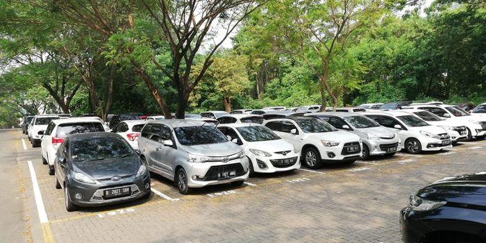 Ilustrasi parkiran mobil/Foto: Rizki Pratama