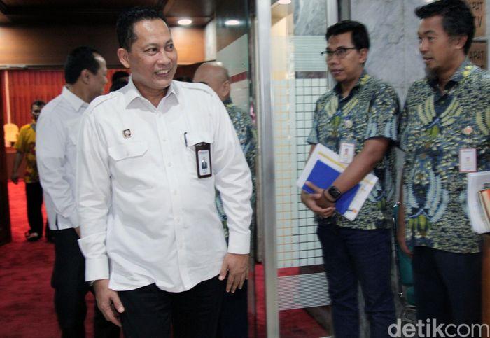 Kedatangan Buwas ke DPR untuk menghadiri rapat dengar pendapat (RDP) dengan Komisi IV DPR.