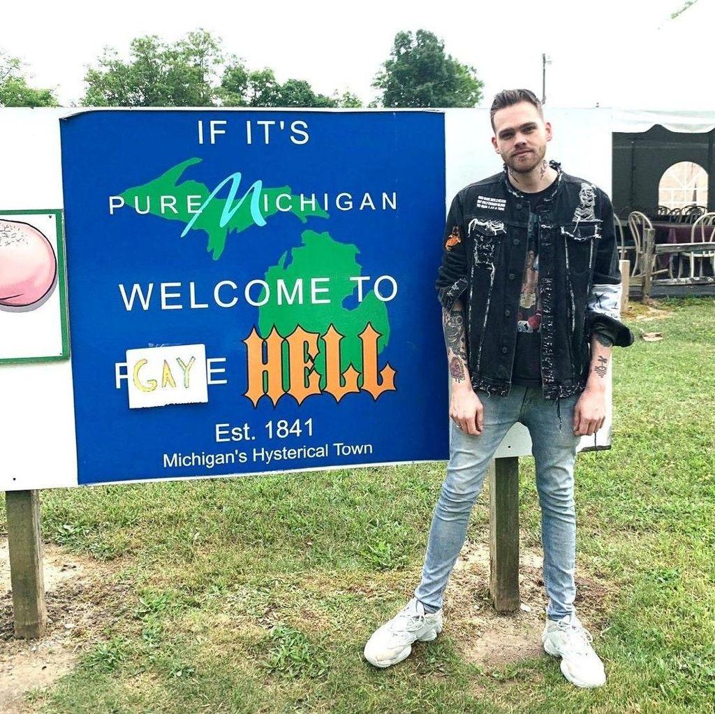 Protes Trump, YouTuber Ini Beli Kota dan Dinamakan Gay Hell