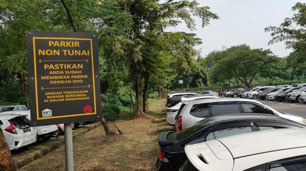 Melihat Lagi Parkir di UPH yang Dinilai Mahasiswa Kemahalan