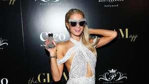 Paris Hilton Seksi Dibalut Dress Menerawang
