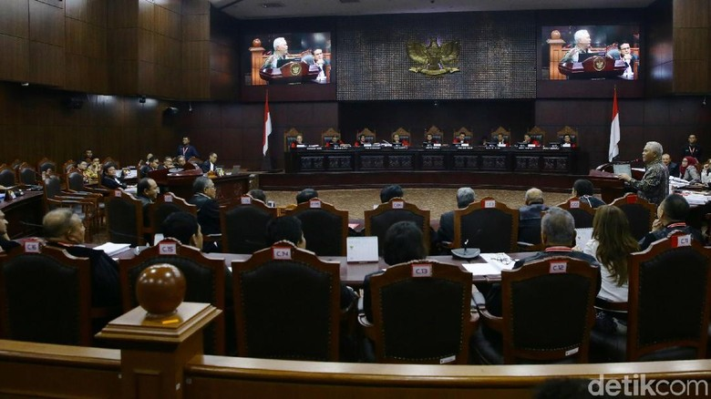 Hakim MK Tegur Pengacara Gerindra karena Bahas Perkara Lain di Sidang