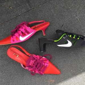 Sneakers Nike Didaur Ulang Jadi Heels, Yay or Nay?