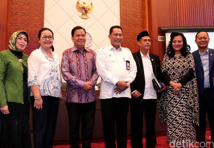 Direktur Utama Bulog Budi Waseso menyambangi gedung DPR, Jakarta, Kamis (20/6/2019).