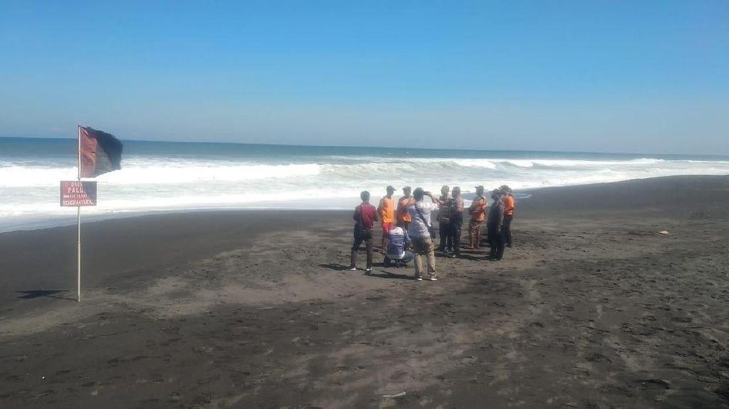 Mantan Pemain Persis Solo Hilang Tersapu Ombak Pantai Baru Bantul
