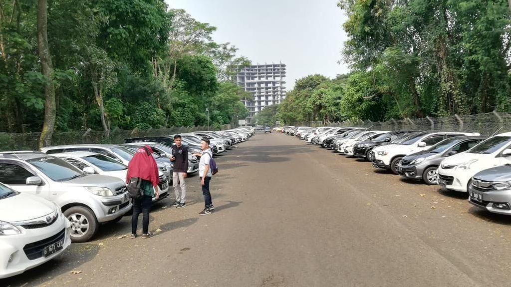 Parkir Kampus yang Dinilai Terlalu Mahal untuk Mahasiswa