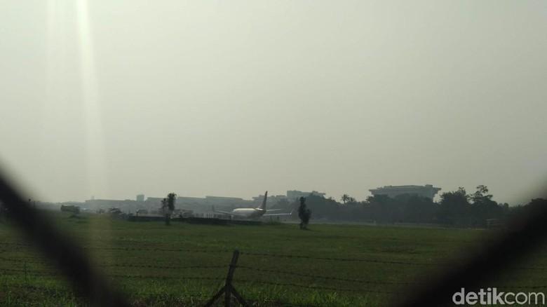 Pesawat Malindo Air Tergelincir di Bandara Husein Sastranegara