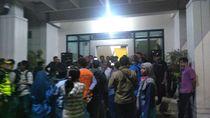 Protes soal Zonasi, Wali Murid Datangi Dinas Pendidikan Surabaya Malam-malam