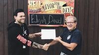 Elijah Daniel membeli kota tersebut sebagai aksi protes terhadap kebijakan Donald Trump terhadap kaum LGBT.Dok. Twitter