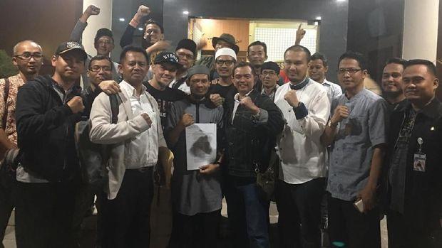 Jejak Rahmat Baequni: Sebut Masjid Iluminati hingga Tersangka Hoaks