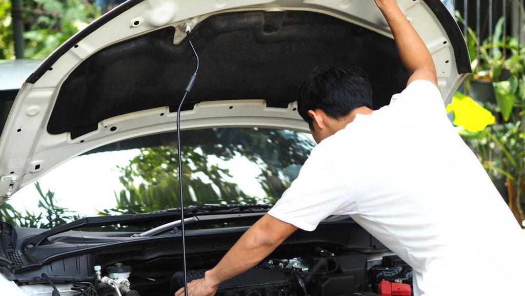 Agar Mobil Tak Cepat Rusak Dipakai Narik, Driver Grab Kasih Tips Ini