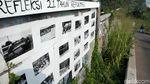 Deretan Foto Tragedi Mei 1998 Hiasi Dinding Jalan di Depok