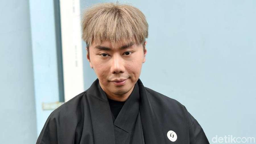 Pulang dari Jepang, Roy Kiyoshi tampil dengan Yukata