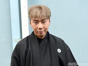 Roy Kiyoshi Akui Wajahnya Mirip Spons Beauty Blender Setelah Filler Dagu