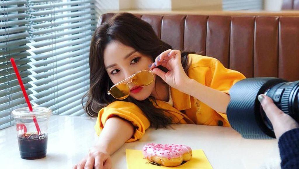 Imutnya Sandara Park, Eks Member 2NE1 Saat Ngemil Donat dan Udang