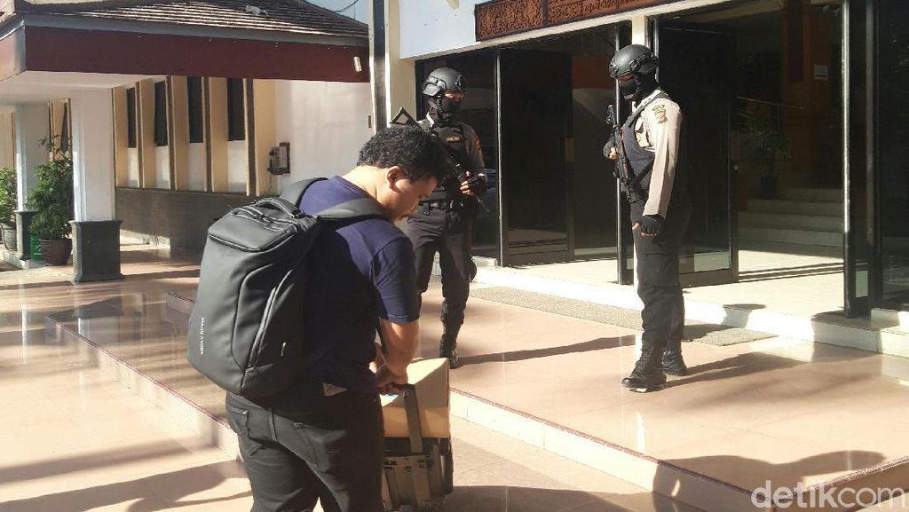 KPK Geledah Kantor DPRD Kabupaten Cirebon