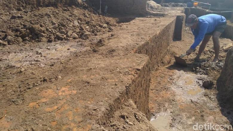 Perajin Bata di Mojokerto Temukan Situs Pagar Peninggalan Majapahit