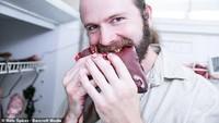 Duh! Makan Daging Busuk Agar Mabuk Jadi Tren Baru yang Berbahaya