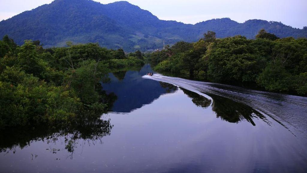 Kapuas Hulu Tawarkan Wisata Alam di Festival Crossborder Badau