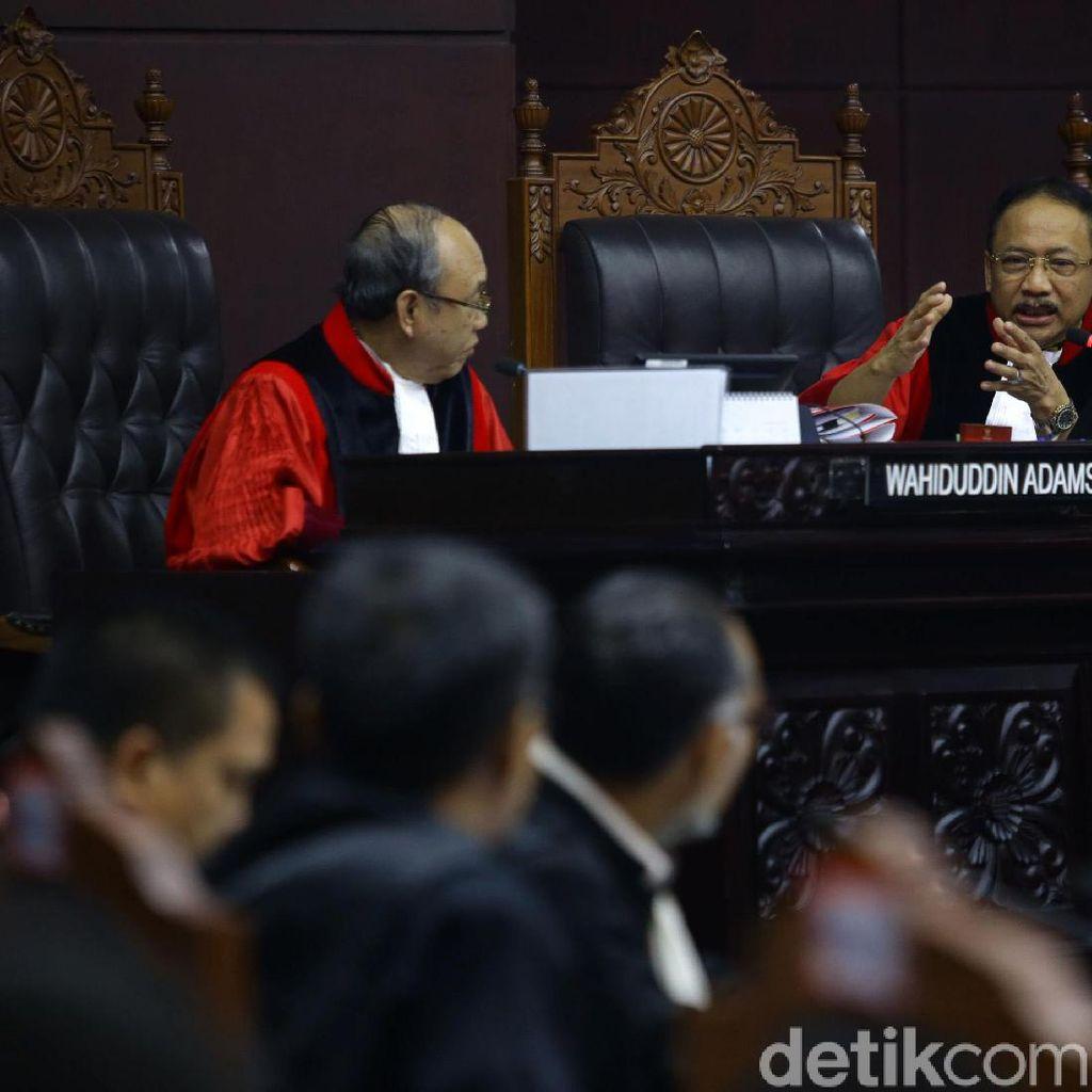 MK Tolak Eksepsi KPU-Tim Jokowi yang Protes Berkas Baru Gugatan Prabowo