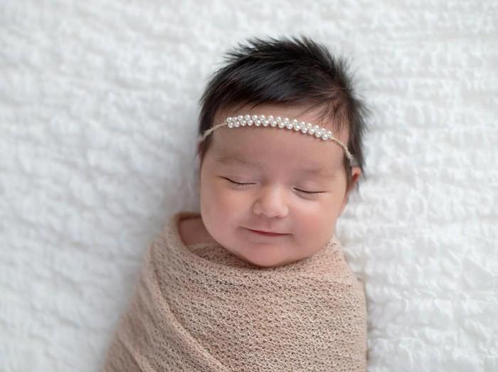 5 Tahap Tumbuh Kembang Bayi Usia 0-12 Bulan, Kenali Satu-satu/Foto: iStock