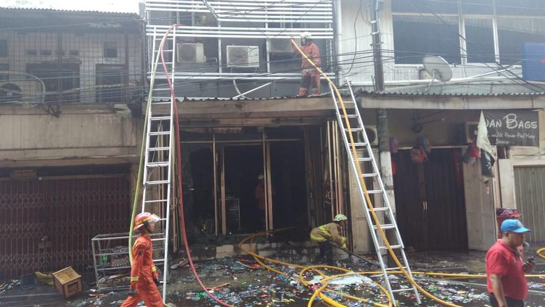 Kios Kembang Api di Pasar Pagi Asemka Terbakar, Sempat Ada Ledakan