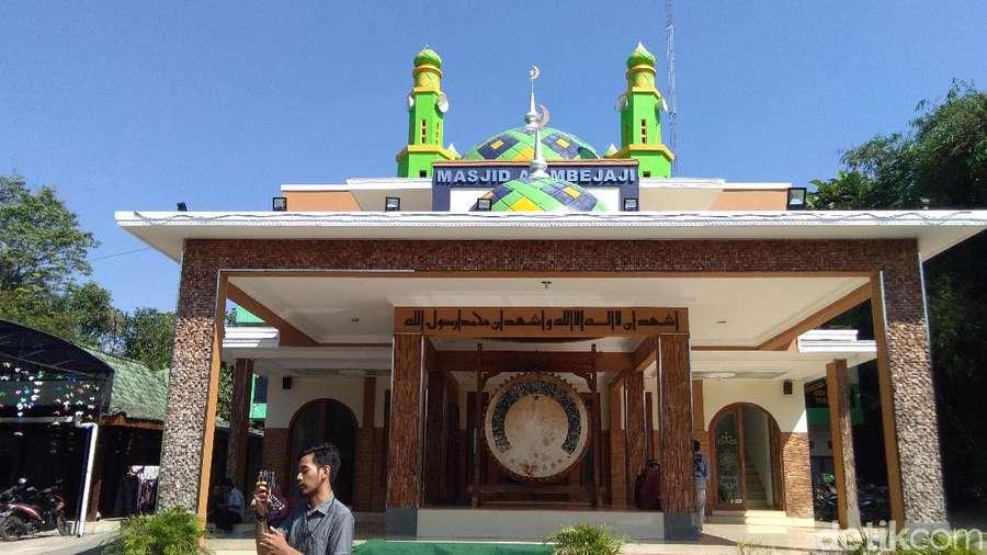 Ini Masjid yang bakal Jadi Saksi Deddy Corbuzier Mualaf