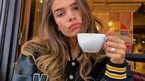 Kulineran Ala Hana Cross, Model Cantik Pacar Brooklyn Beckham