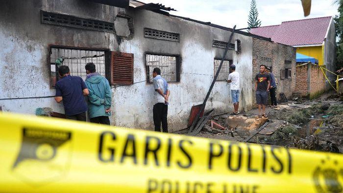 Pabrik korek gas yang terbakar di Sumatera Utara/Foto: Antara Foto
