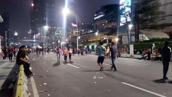 Perayaan HUT DKI Usai, Warga Mulai Tinggalkan Bundaran HI