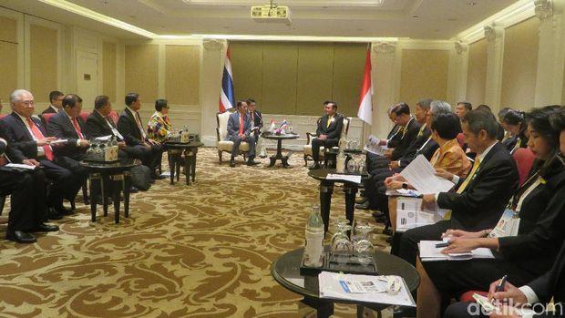 Presiden Jokowi dan PM Thailand Prayut Chan-o-cha