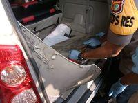 Tersangka menyimpan sabu di bawah karpet jok mobil untuk kelabui petugas saat ada pengecekan