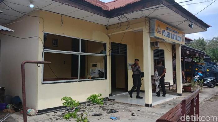 Polsek Batin Diserang Massa (Foto: Istimewa)