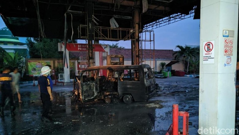 Kebakaran SPBU di Ponorogo Dipicu Sebuah Mobil Usai Pengisian BBM