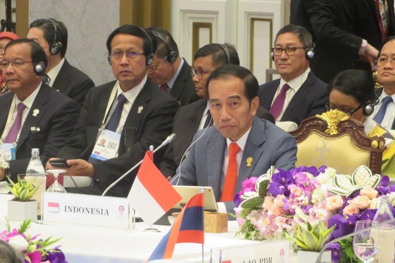 Di Depan Pemimpin ASEAN, PM Thailand Ucapkan Selamat Menang Pilpres ke Jokowi