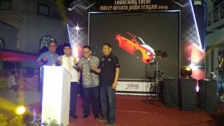Foto: Pemprov Jateng Promosi Wisata lewat Lomba Rally di Solo Raya (Angling Adhitya Purbaya/detikcom)