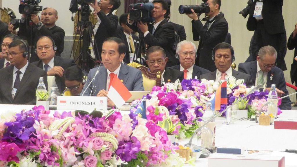 Jokowi Hadiri Pleno KTT ASEAN Ke-34 di Bangkok Thailand