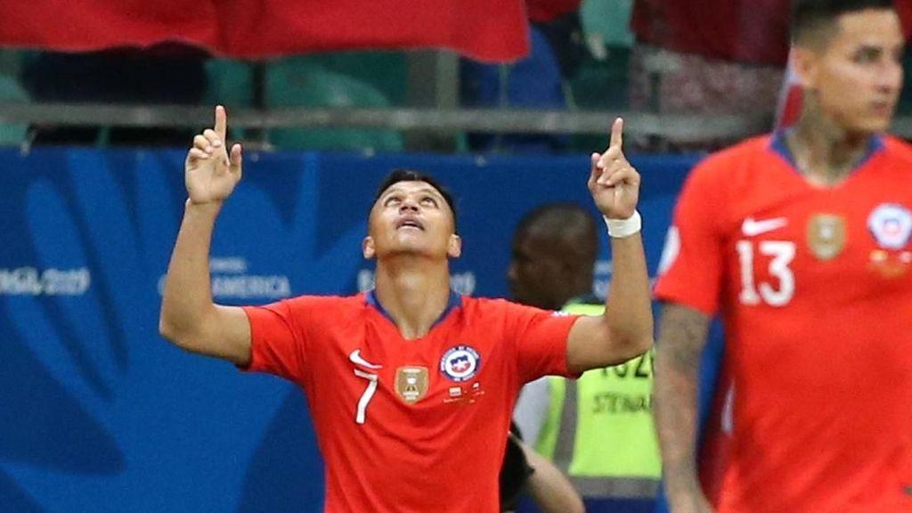 Main dengan Rasa Sakit, Alexis Sanchez Jadi Penentu Kemenangan Chile