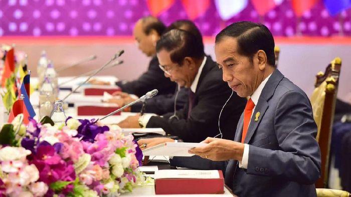 Foto: Jokowi di KTT Asean (Twitter @jokowi)