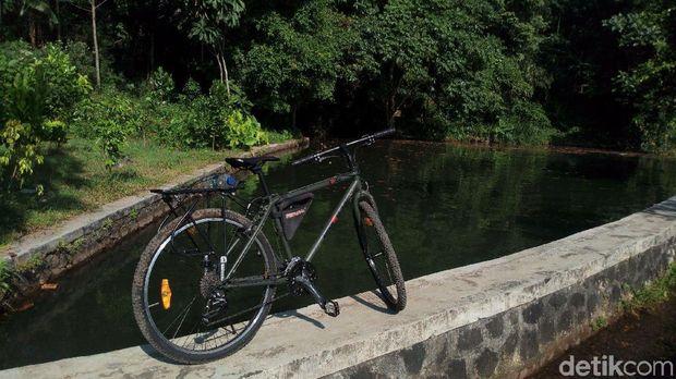 Asyiknya Bersepeda Melintasi Alam di Kaki Gunung Ungaran