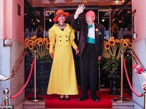 Miliuner 95 Tahun Akhirnya Menikahi Kekasih Setelah 35 Tahun Pacaran