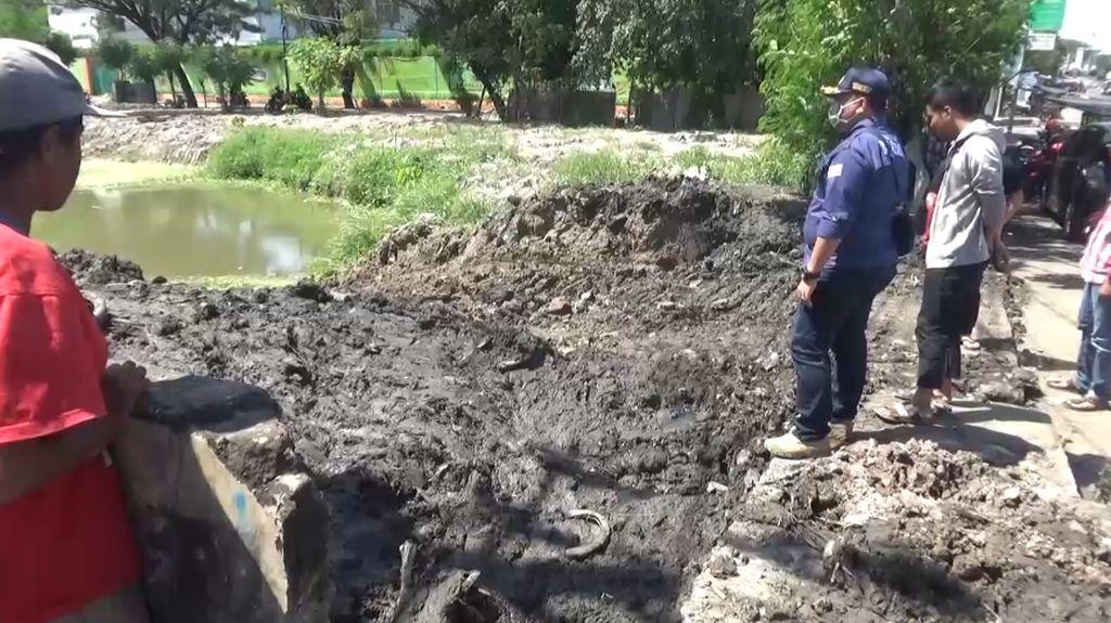 Penemuan Mayat Pria Bertato Gegerkan Warga di Makassar