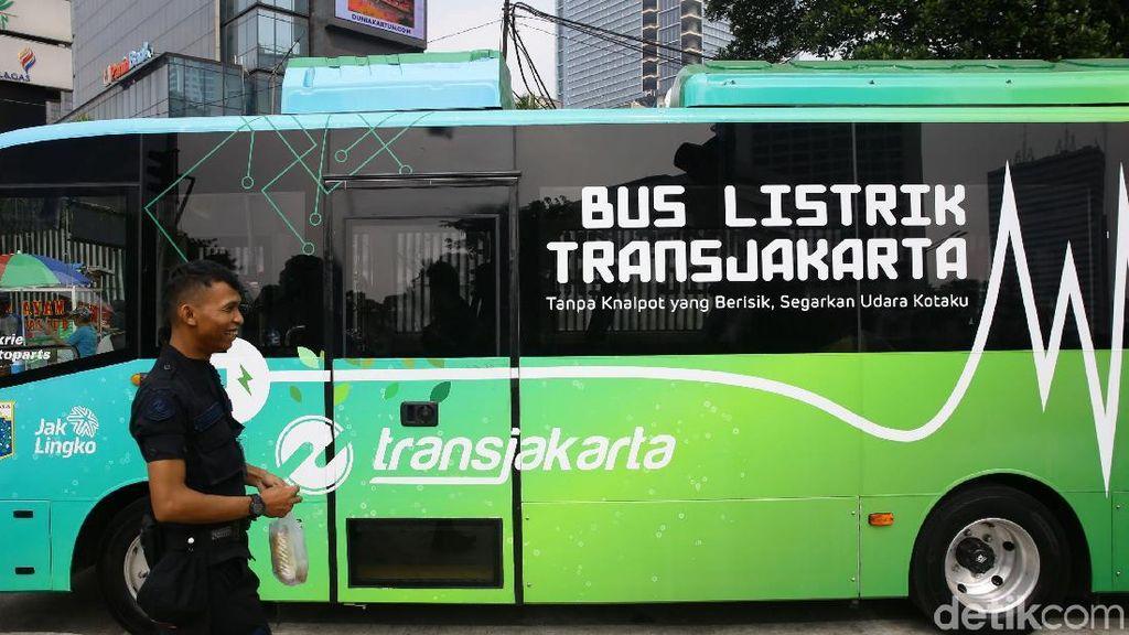 Belum Punya Pelat Kuning, Bus Listrik TransJ Belum Bisa Jalan