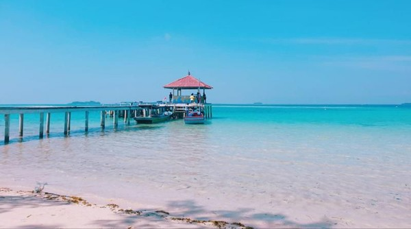 Inilah Semak Daun, pulau tak berpenghuni di Kepulauan Seribu yang dibuka untuk wisata. Suasananya yang tenang bikin hilang kepala tegang.(feninovida/dTraveler)