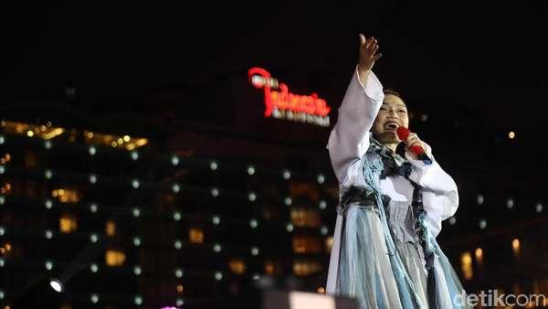 Aksi Siti Badriah di Panggung HUT Jakarta