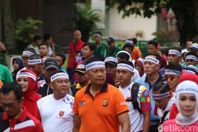Pakai Ikat Kepala, Warga Kaltim Deklarasi Tolak Kerusuhan