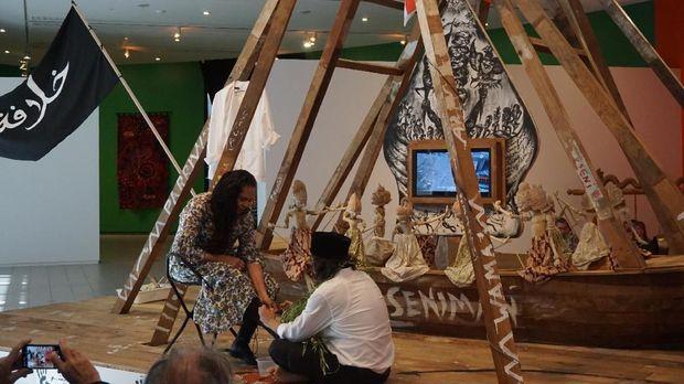 Indonesia Dipandang Positif Lewat Pameran 'Contemporary Worlds: Indonesia'