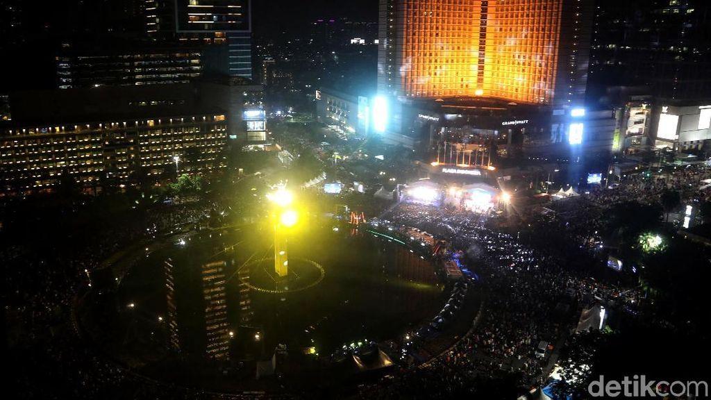 Melihat Kemeriahan Perayaan HUT DKI Jakarta di Bundaran HI